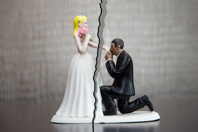 How to Keep Your Spouse From Stealing Assets During a California Divorce