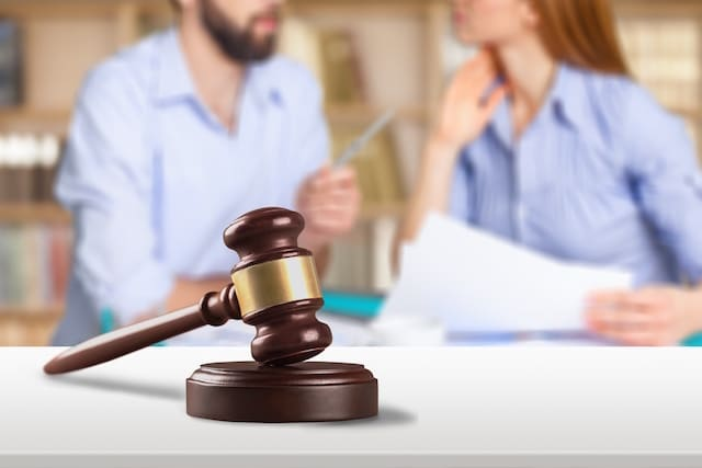 Can We Create a Divorce Settlement Agreement If We're Not Speaking to Each Other?